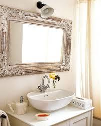 Ứng-dụng-cắt-CNC-trong-thiết-kế-gương-nội-thất-nhà-tắm.
